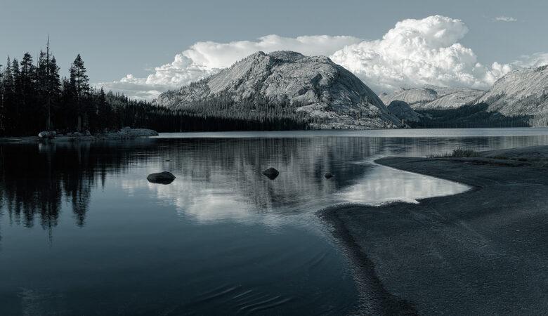 Tenaya Lake, California